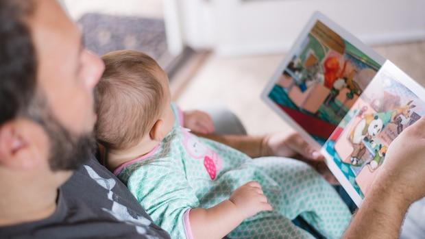 Mutter-Kind- und Vater-Kind-Bindungen sind wichtige Erfahrungen im Leben eines Babys.
