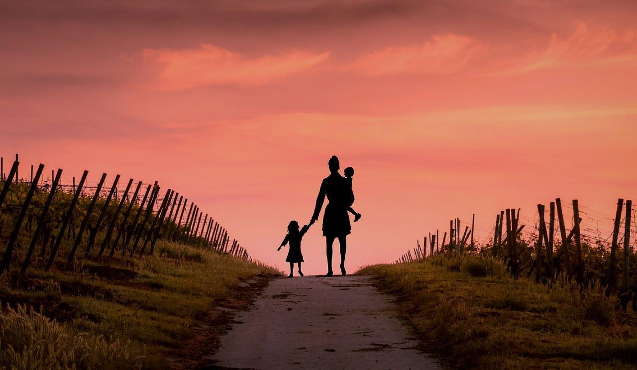 Wenn Sie dem anderen Elternteil das Umgangsrecht mit dem Kind verweigern möchten, sollten Sie sich vorher gut über die Voraussetzungen informieren.