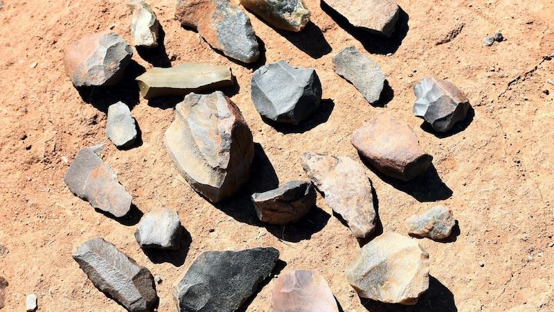 Aus Feuerstein und anderen Materialien wurden die Werkzeuge der Steinzeit hergestellt.