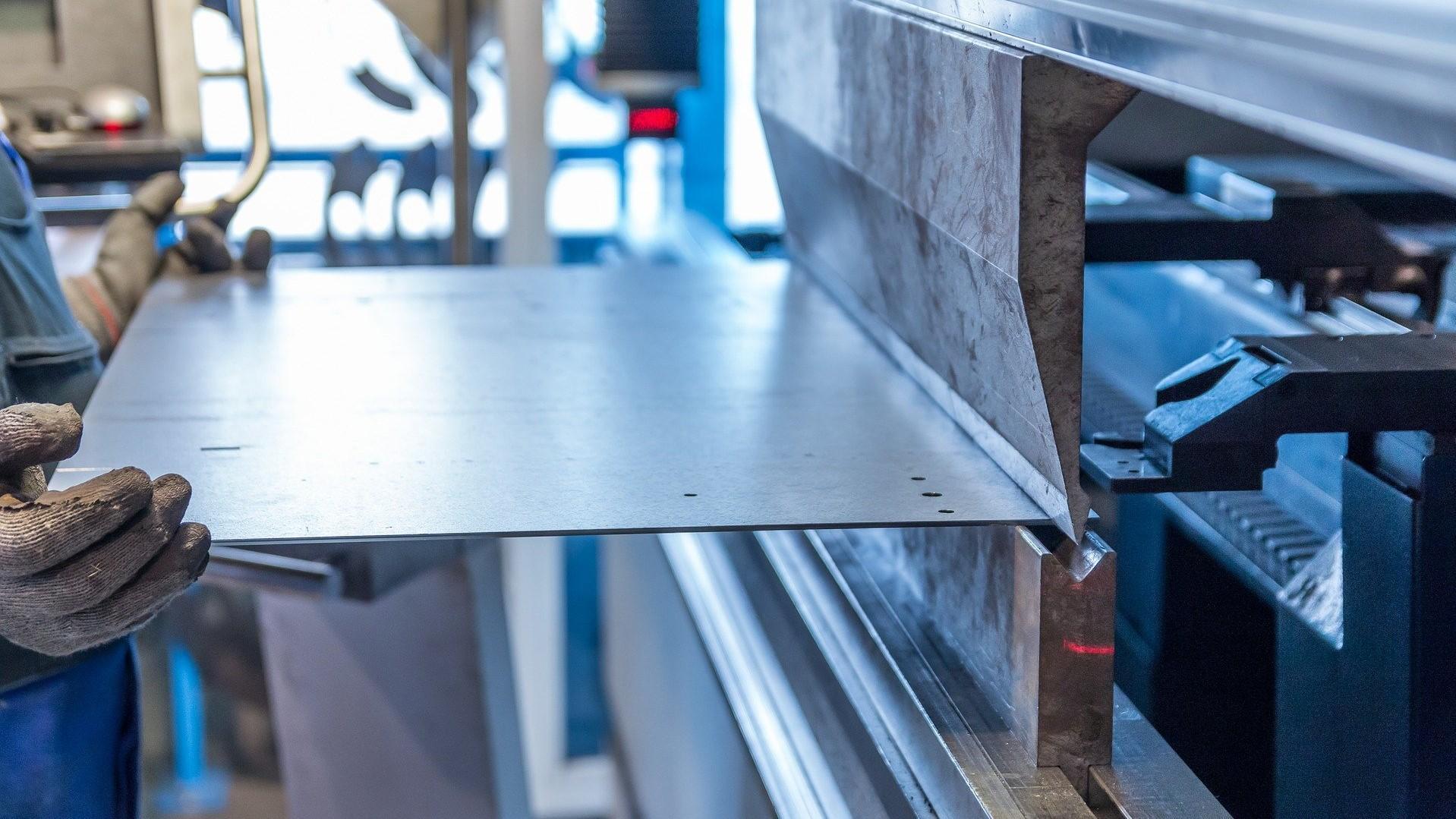 Zu Sachanlagen zählen Maschinen, die zur Produktion benötigt werden