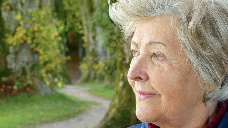 Pflege für reife Haut ab 60: Die besten Tipps