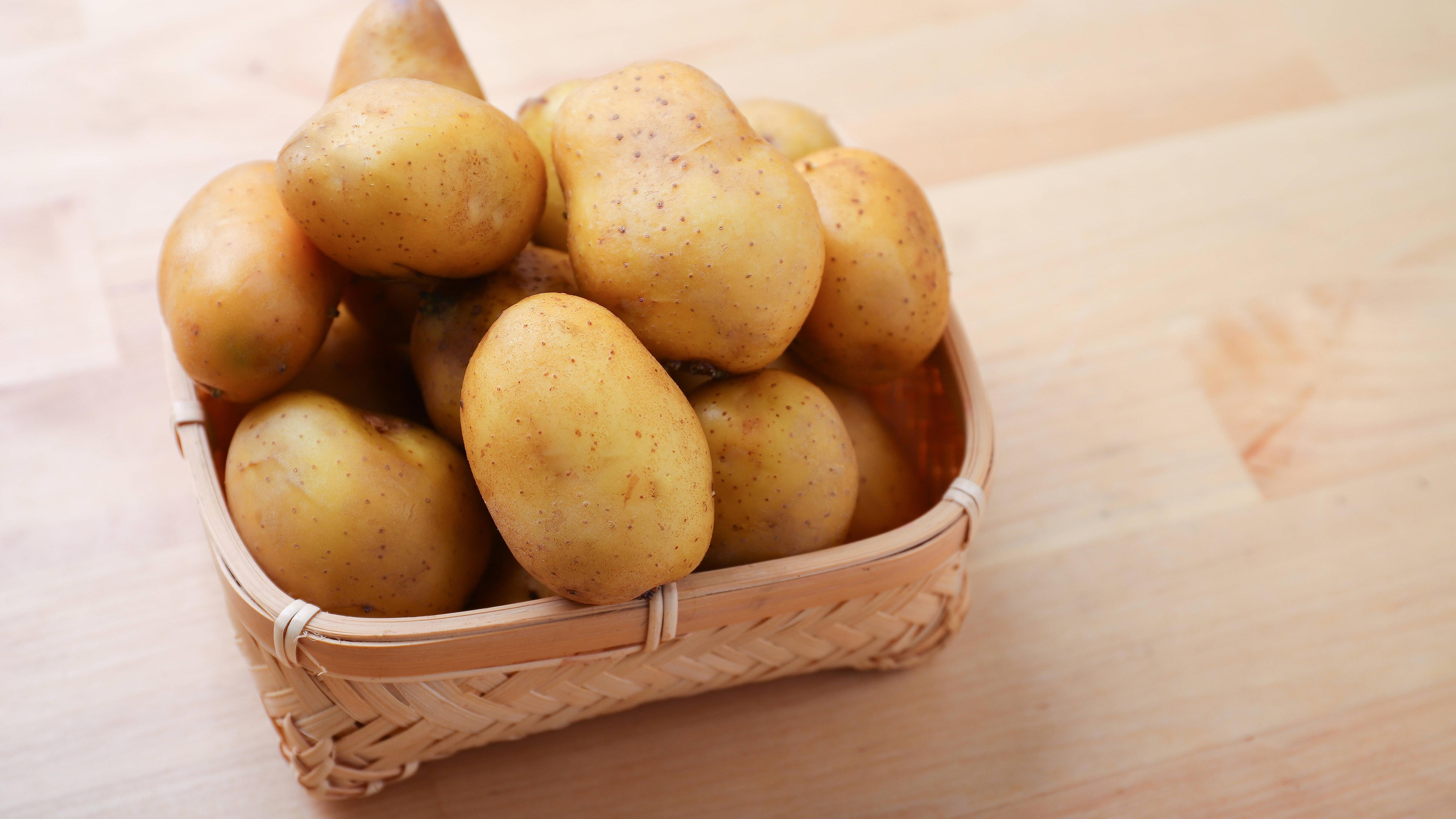 Kartoffeln und Zwiebeln sollten Sie besser nicht zusammen lagern.