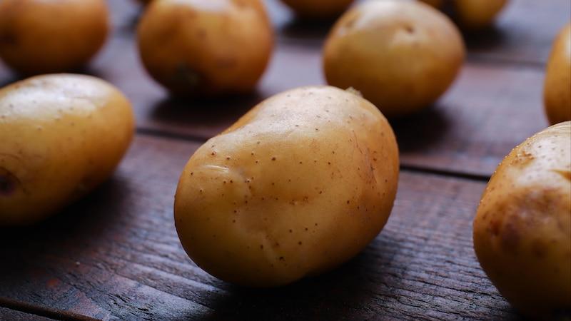 Kartoffelwickel bei Husten: So wenden Sie das Hausmittel an