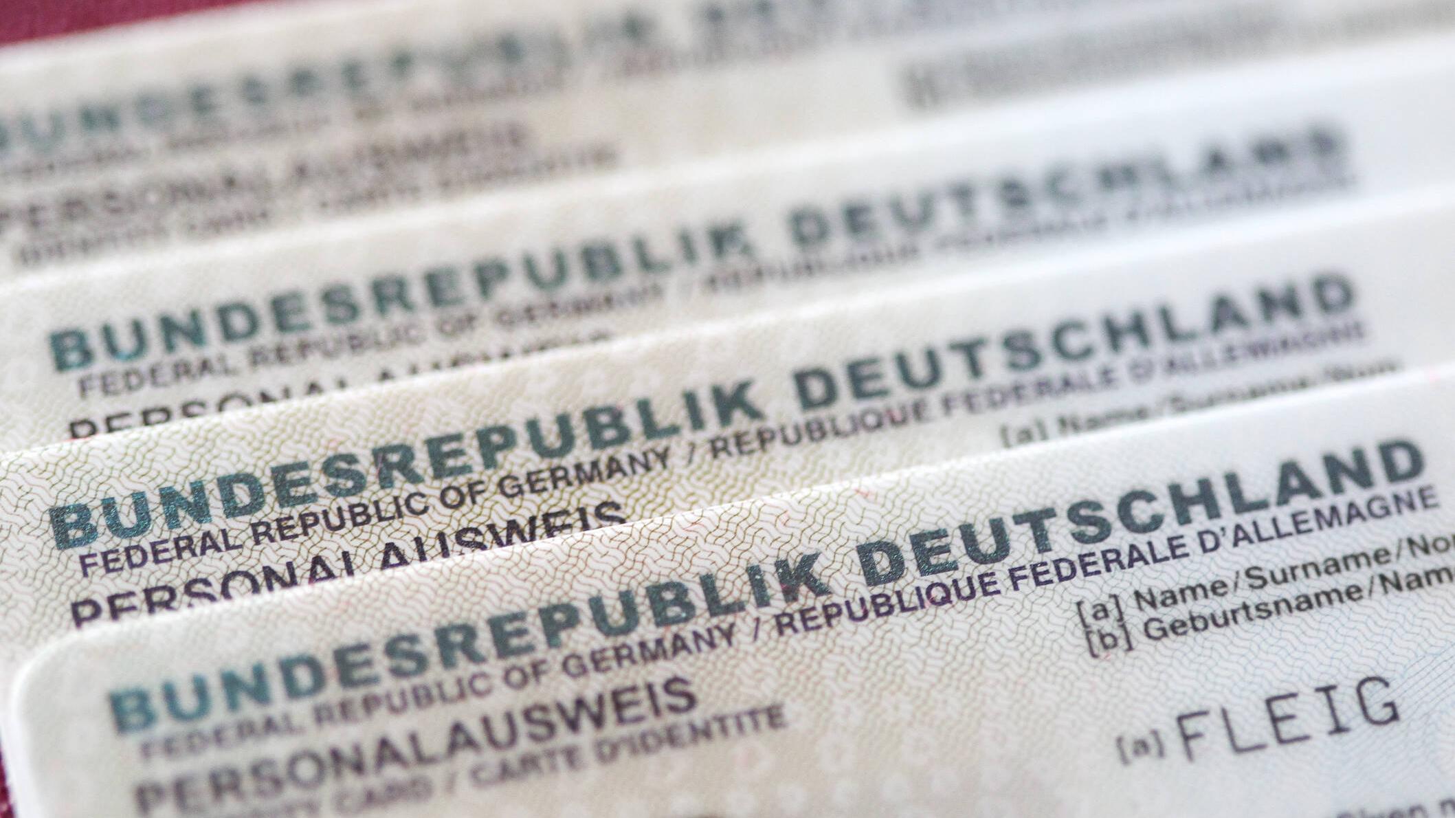 Personalausweis verlängern: Dauer und Kosten