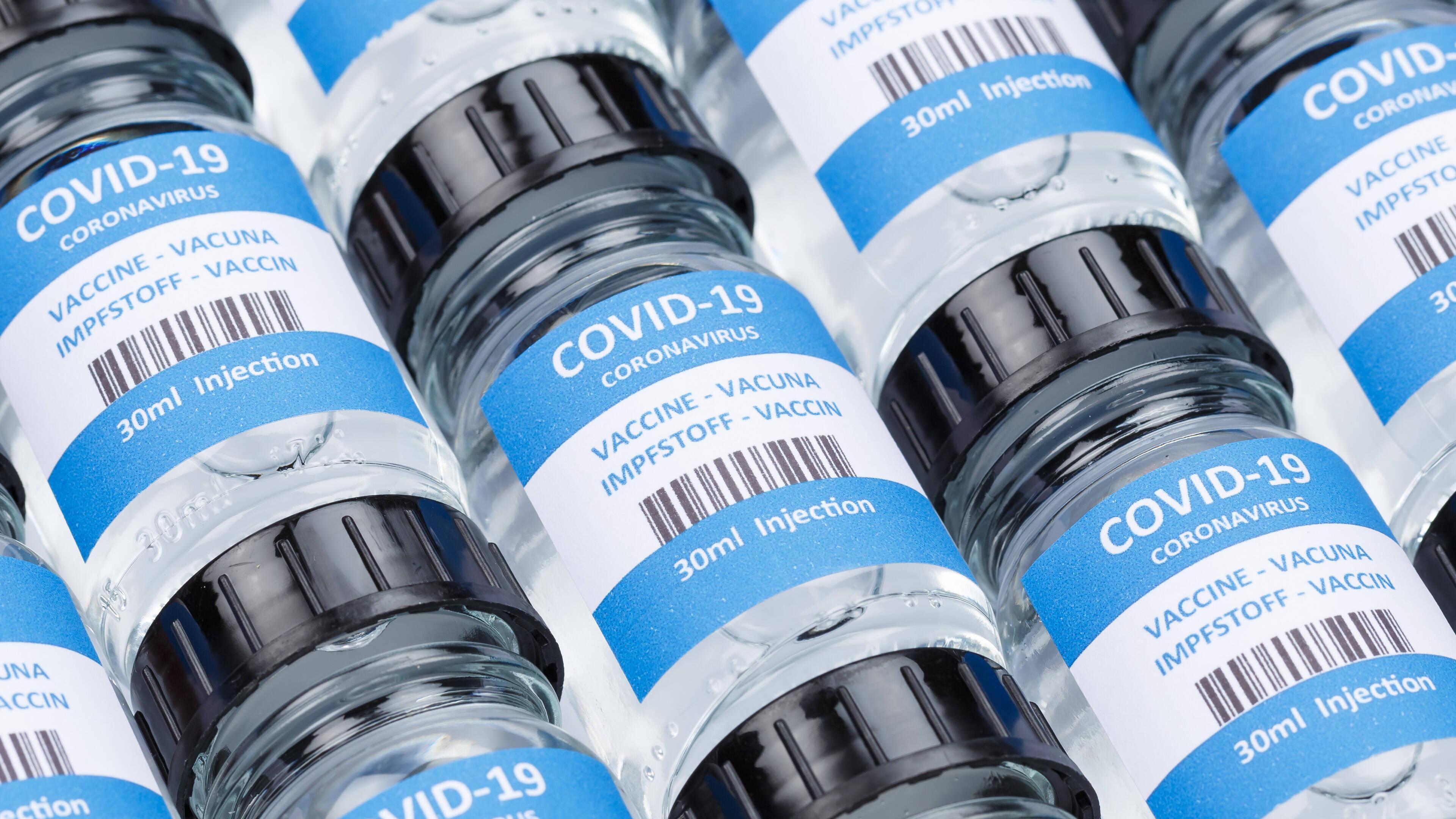 Die RNA-Impfstoffe können aufgrund der einfachen Struktur der Ribonukleinsäure (RNA)  schnell und in Massen hergestellt werden. Allerdings sind einige Impfmittel, die vor der Zulassung stehen, sehr temperaturempfindlich.