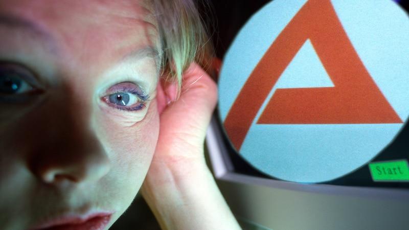 Arbeitslos und arbeitssuchend unterscheiden sich begrifflich, können aber beide frustrierend sein.