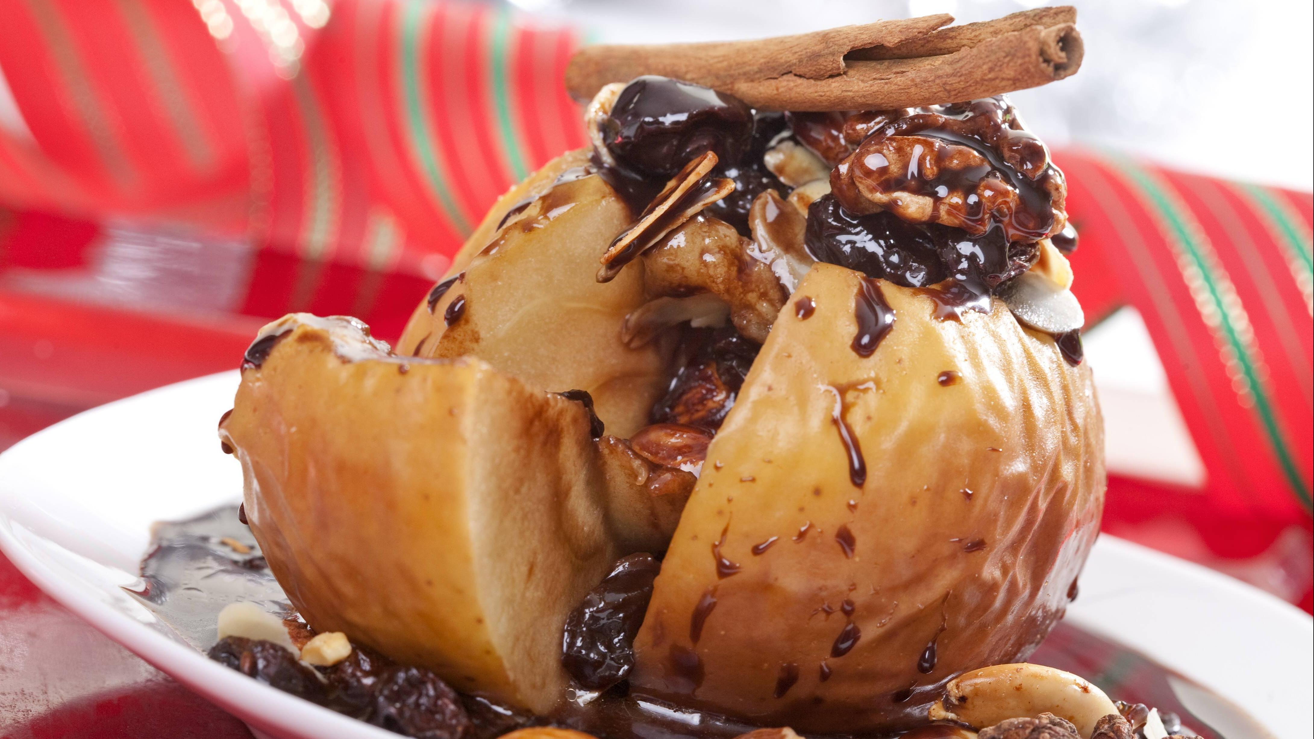 Bratapfel eignet sich gut als weihnachtliches Dessert