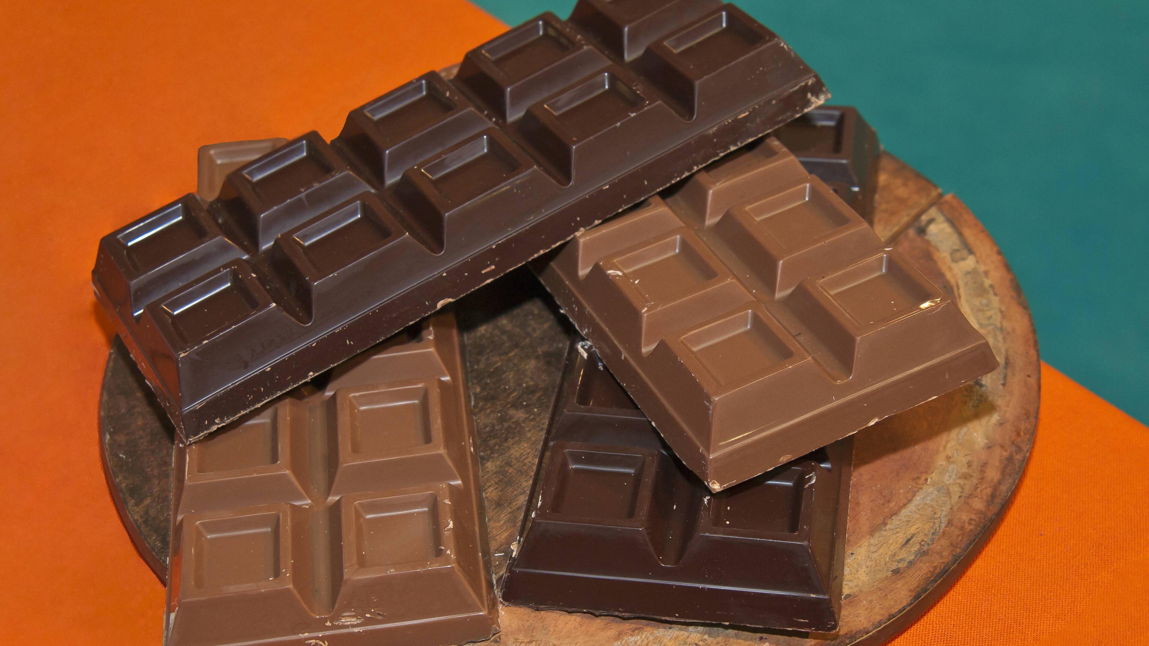 Für eine gesteigerte Lust sind nicht nur gesunde Lebensmittel von Vorteil. Auch Schokolade steigert Ihre Libido.
