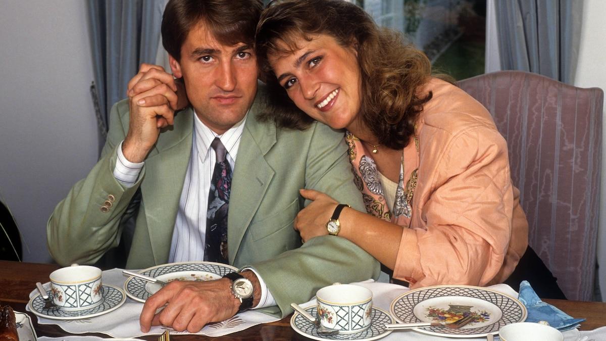Olivers Schwester Nicole heiratete Rennfahrer Bernd Schneider, im Jahr 2006 trennten sie sich wieder.