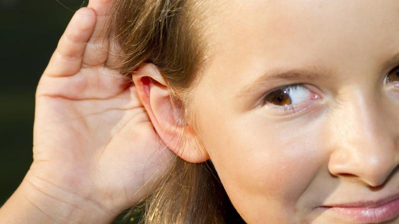 Abstehende Ohren sollten bei Kindern frühestens ab dem 5. Lebensjahr angelegt werden.