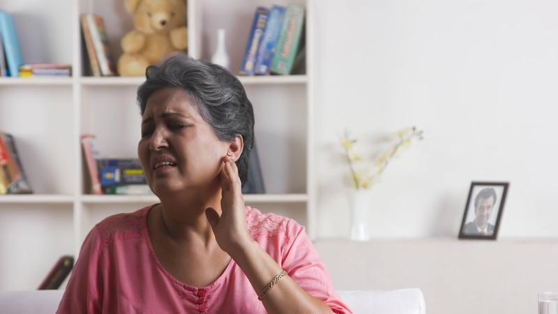 Ohrenschmerzen beim Kauen: Ursachen und Behandlung