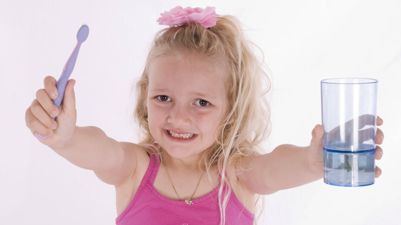 Gelbe Zähne bei Kindern: Ursachen und Behandlung