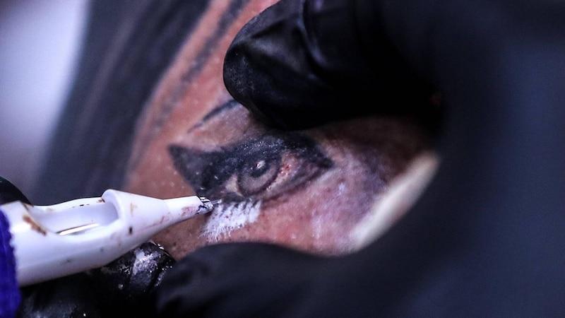 Tattoo pellt sich: Was Sie darüber wissen sollten