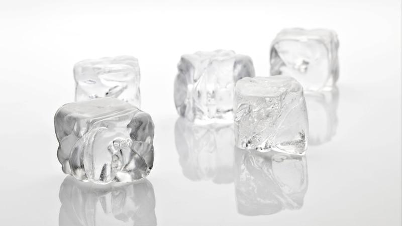 Eiswürfel richtig aufbewahren: Die besten Tipps und Tricks