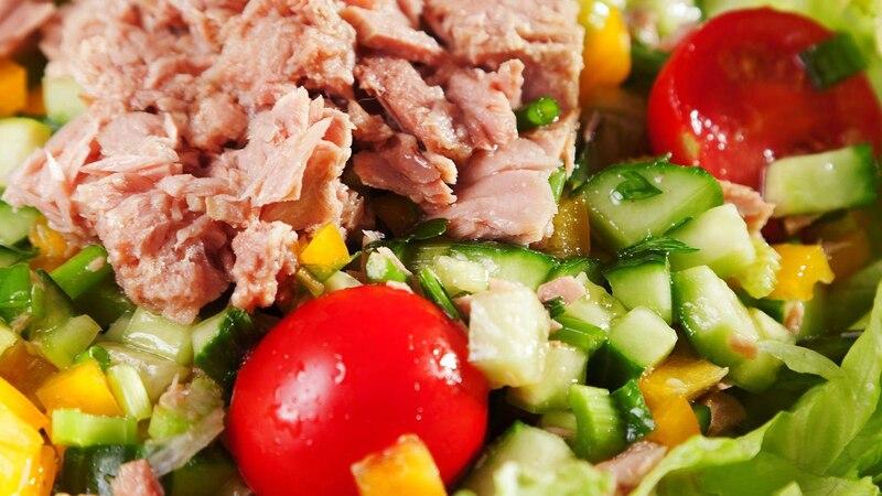 Thunfisch-Salat eignet sich als gesunde Mahlzeit.