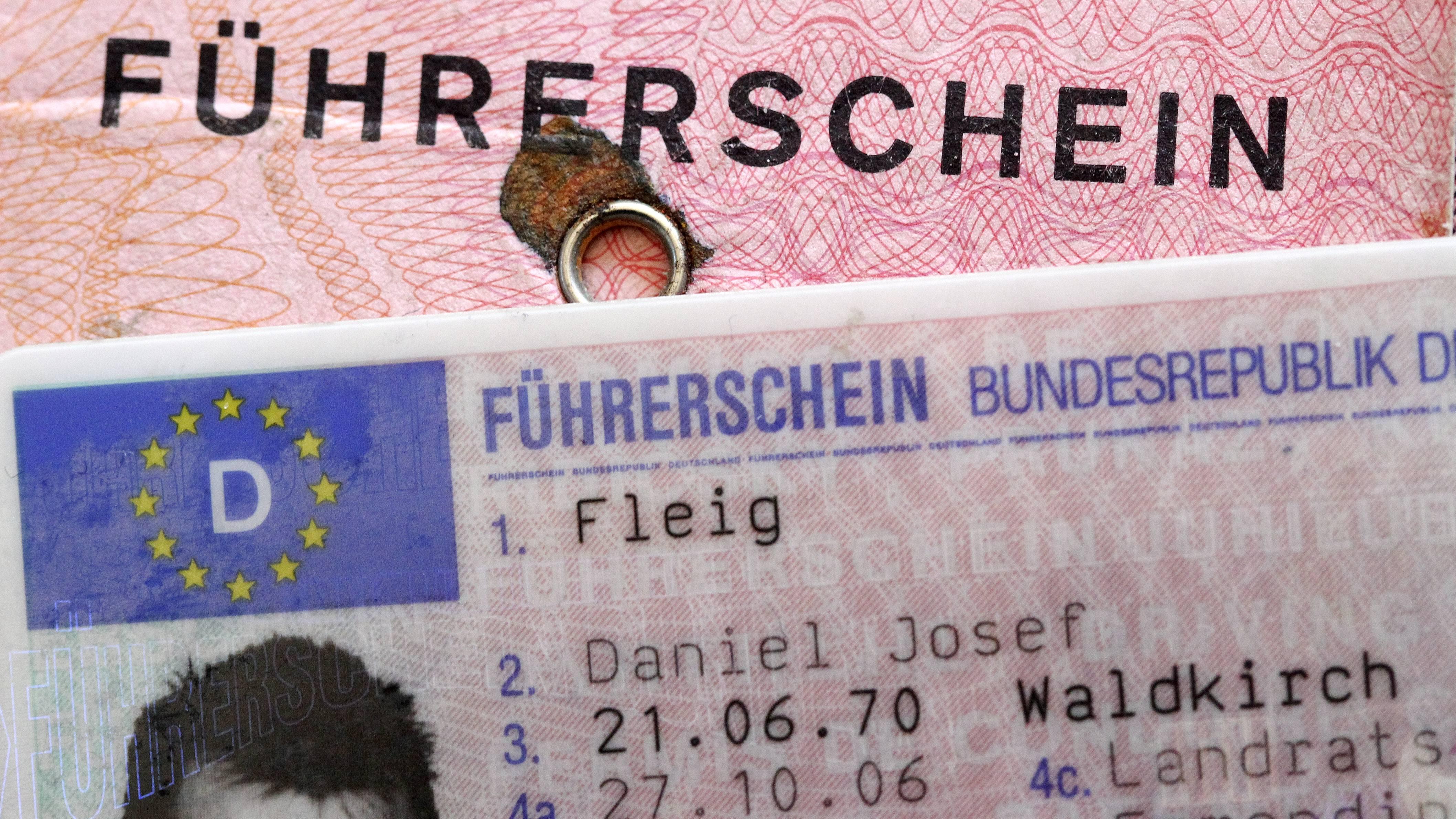 Wenn die Praktische Prüfung bestanden ist, erhalten Sie kurz darauf Ihren Führerschein.