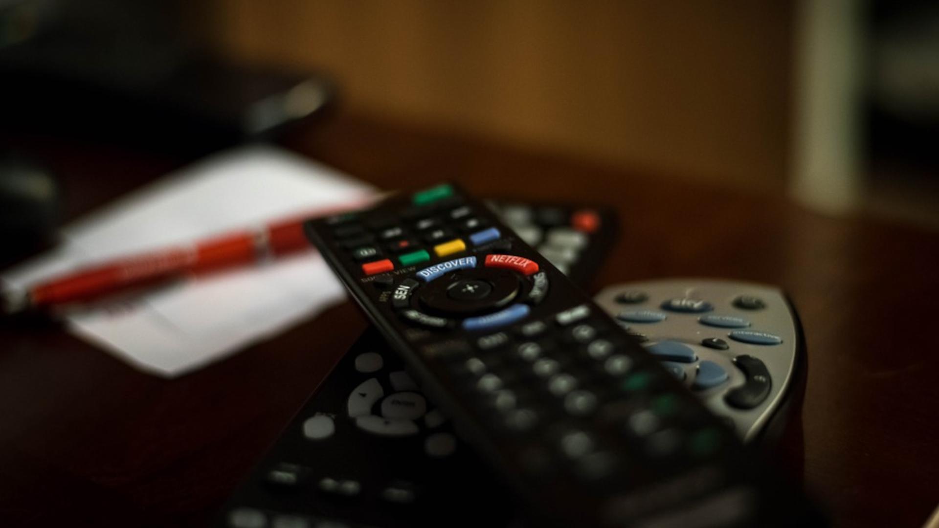 Fernseher schaltet sich selbst aus - das können Sie tun