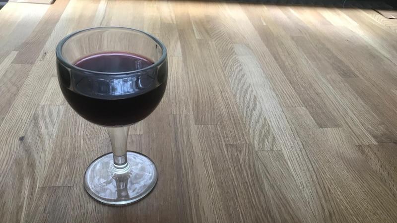 Zum Verwechseln ähnlich: Traubensaft kann in vielen Gerichten als Rotwein-Ersatz verwendet werden.