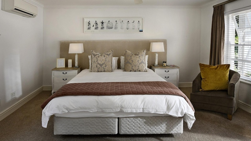 Um Ihr Bett zu verstärken, gibt es verschiedene Methoden bei denen neue Elemente am Bett befestigt werden.