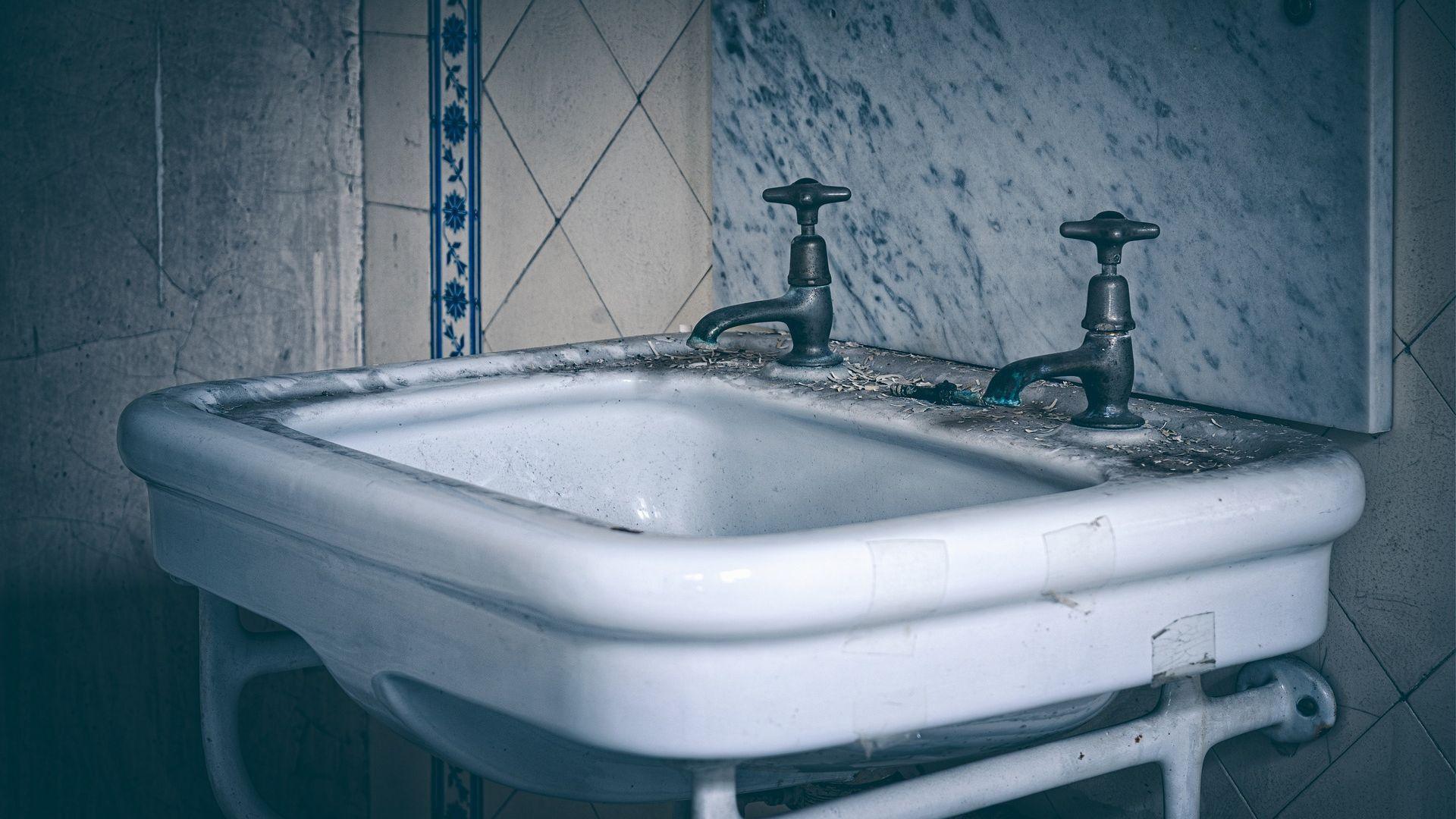 Waschbecken tauschen: Wir zeigen Ihnen, worauf Sie bei der Montage achten sollten.