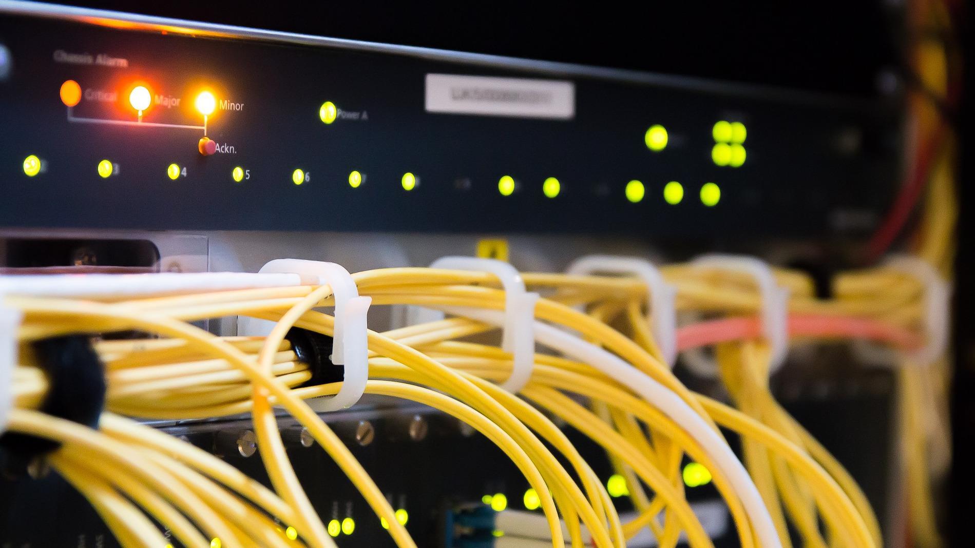 Wenn bei ihnen der Fehler HTTP 501 auftritt, liegt dies meistens am Server. In dem Falle sollten Sie, wenn möglich, den Betreiber der Webseite kontaktieren.