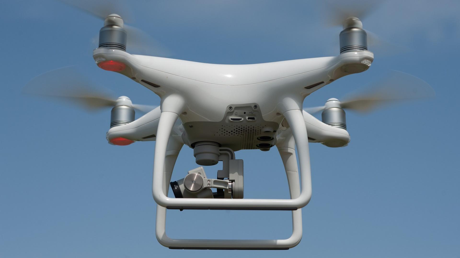 Film -und Fernsehteams oder auch Forscher verwenden immer öfter Drohnen.