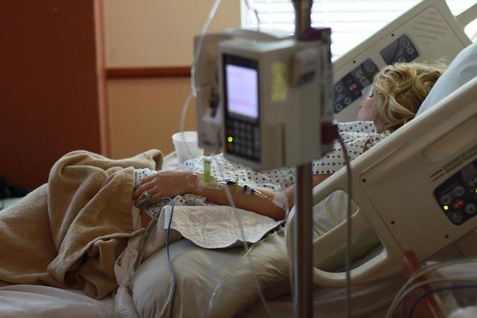 Die vertrauliche Geburt ermöglicht Frauen eine anonyme und sichere Entbindung in der Klinik.
