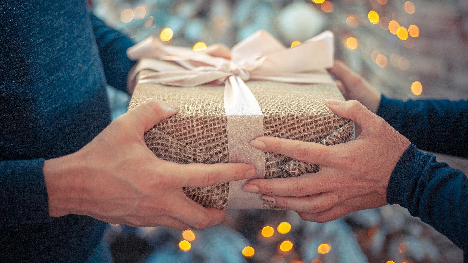 Spende verschenken: 10 sinnvolle Geschenke