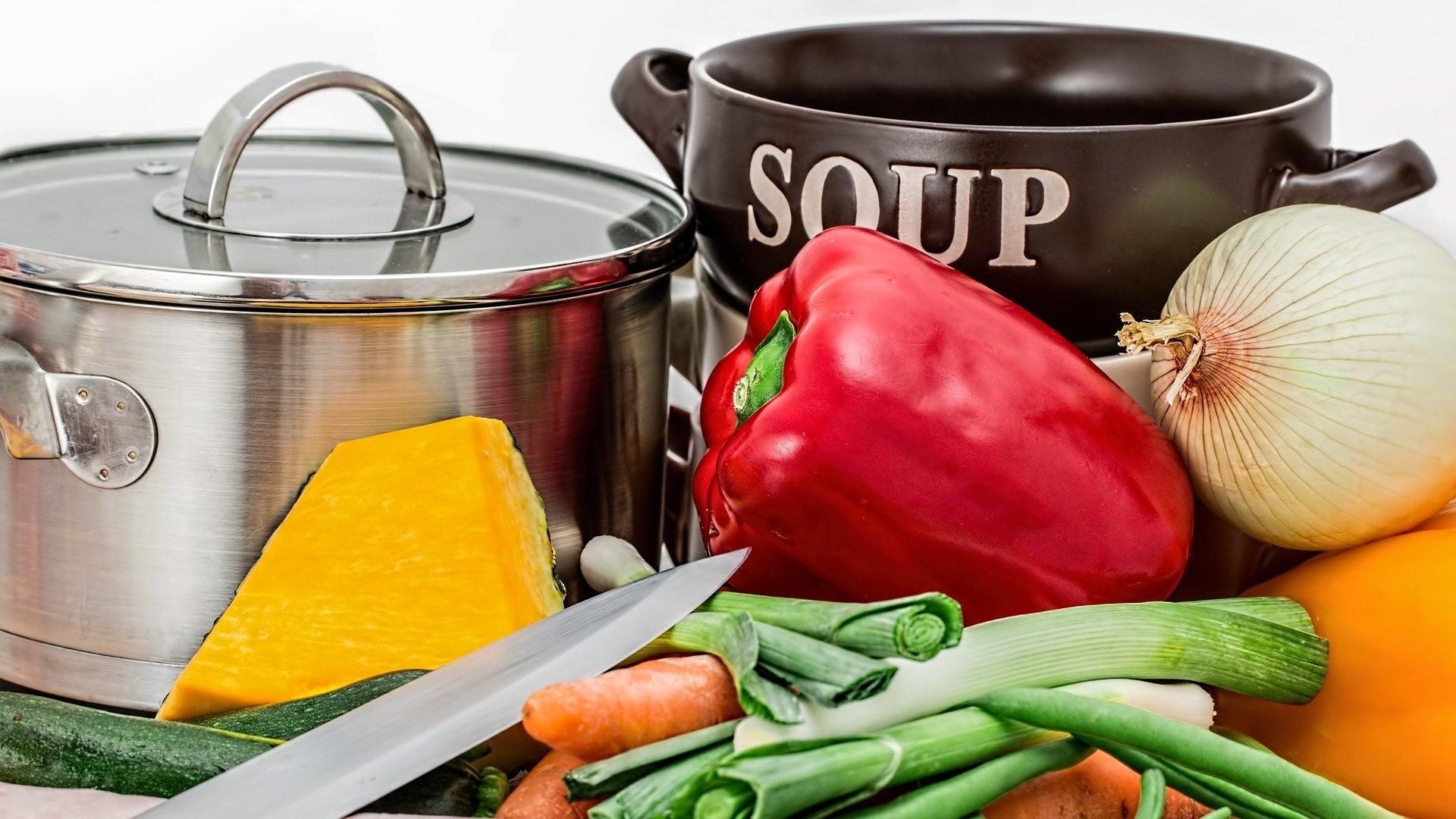 Suppentopf, Suppenschüssel, Suppengemüse