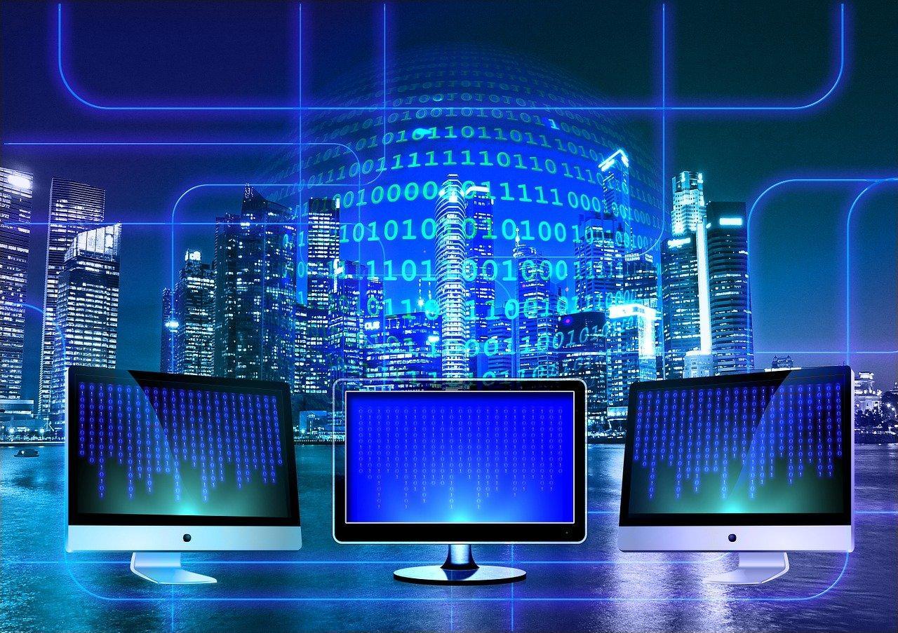IaaS bildet beliebig komplexe Hardware-Strukturen über das Internet ab. Es gibt bekannte Beispiele wie AWS.