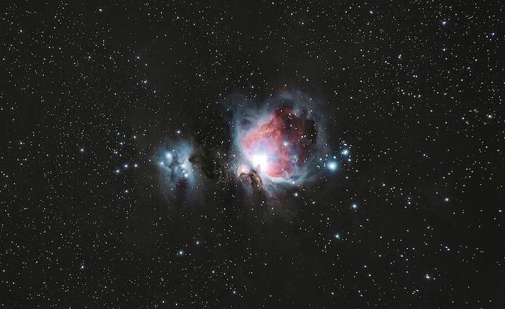 Der Sternenhimmel spielt in Astrologie und Astronomie eine Rolle.