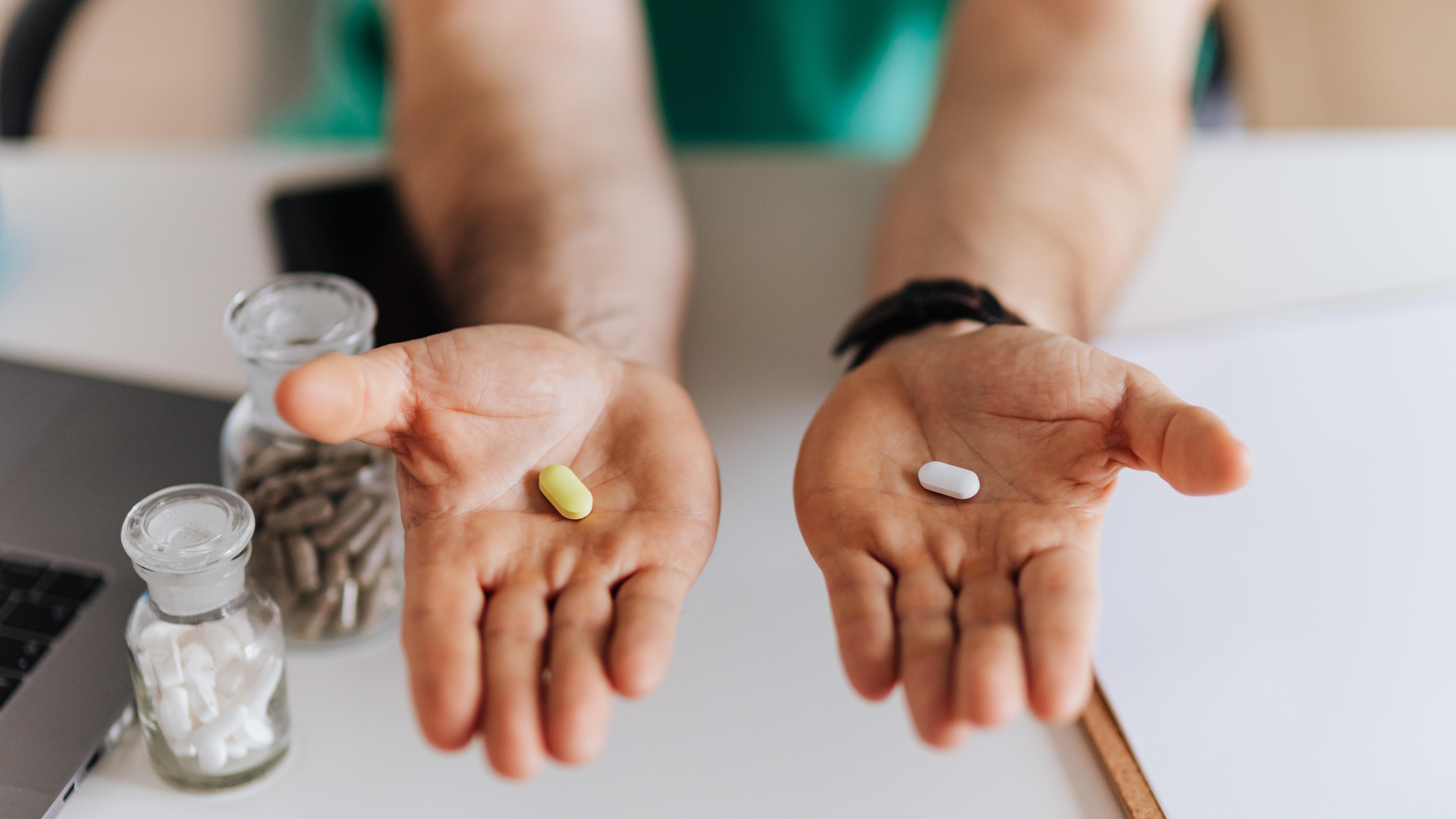 Ist der PCT-Wert hoch und steckt eine bakterielle Entzündung dahinter, können Antibiotika helfen.