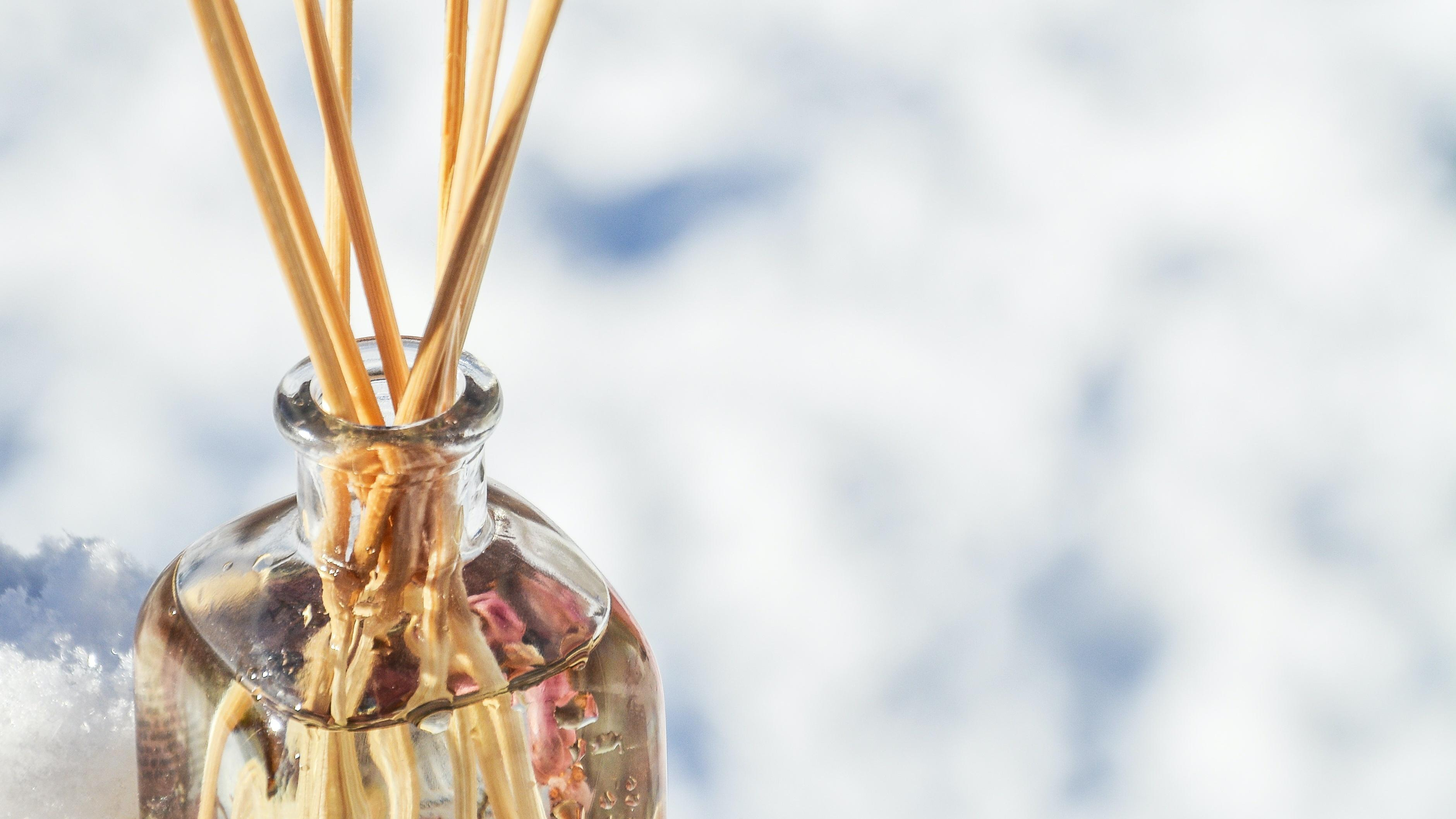 Duftstäbchen selber machen: Eine einfache Anleitung