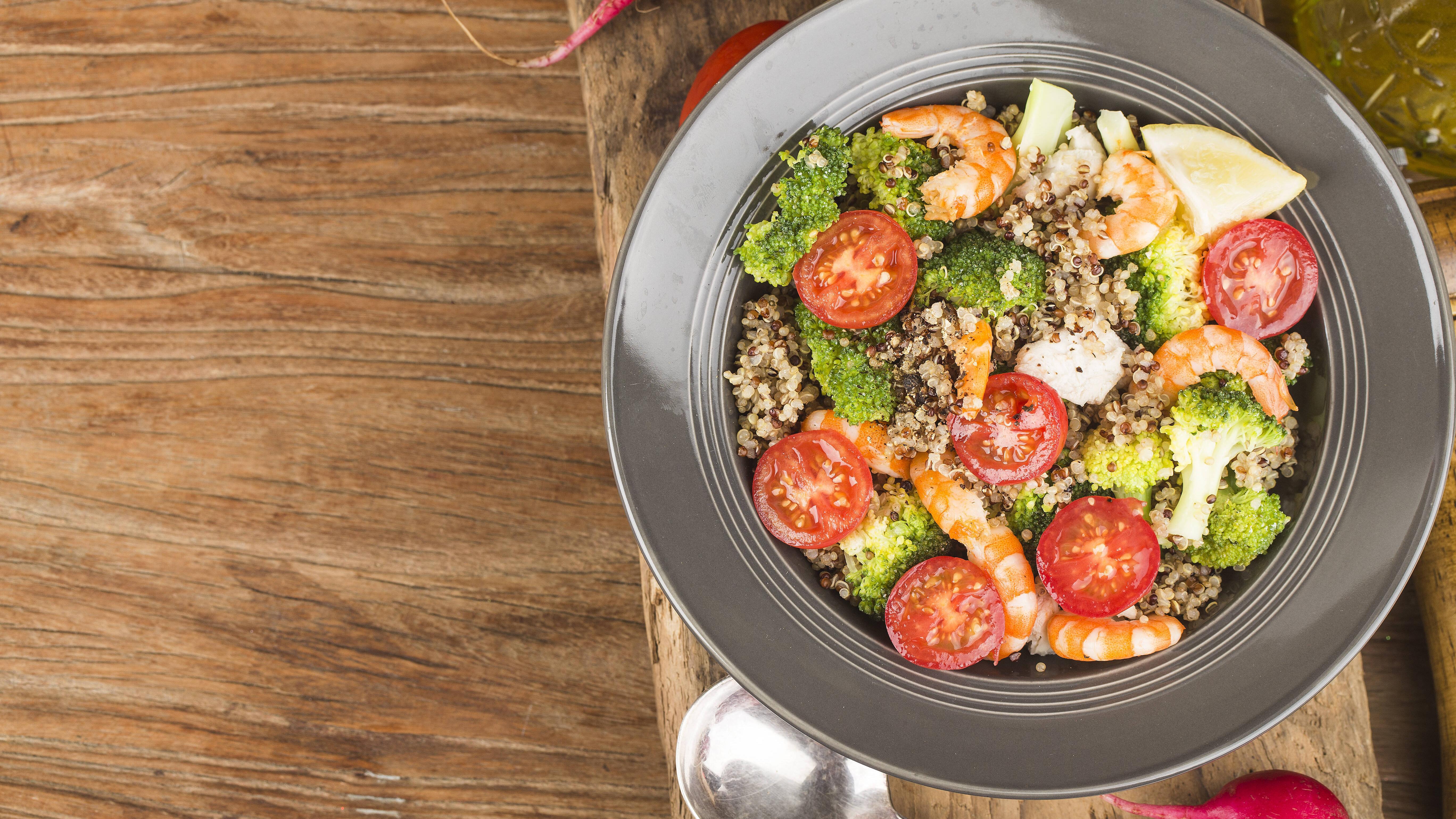 Die Low-Fat-Diät setzt auf Kohlenhydrate, Gemüse und mageres Fleisch oder Fisch.