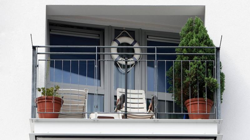 Den Balkon Ihrer Mietwohnung dürfen Sie nur unter Absprache mit dem Vermieter streichen.