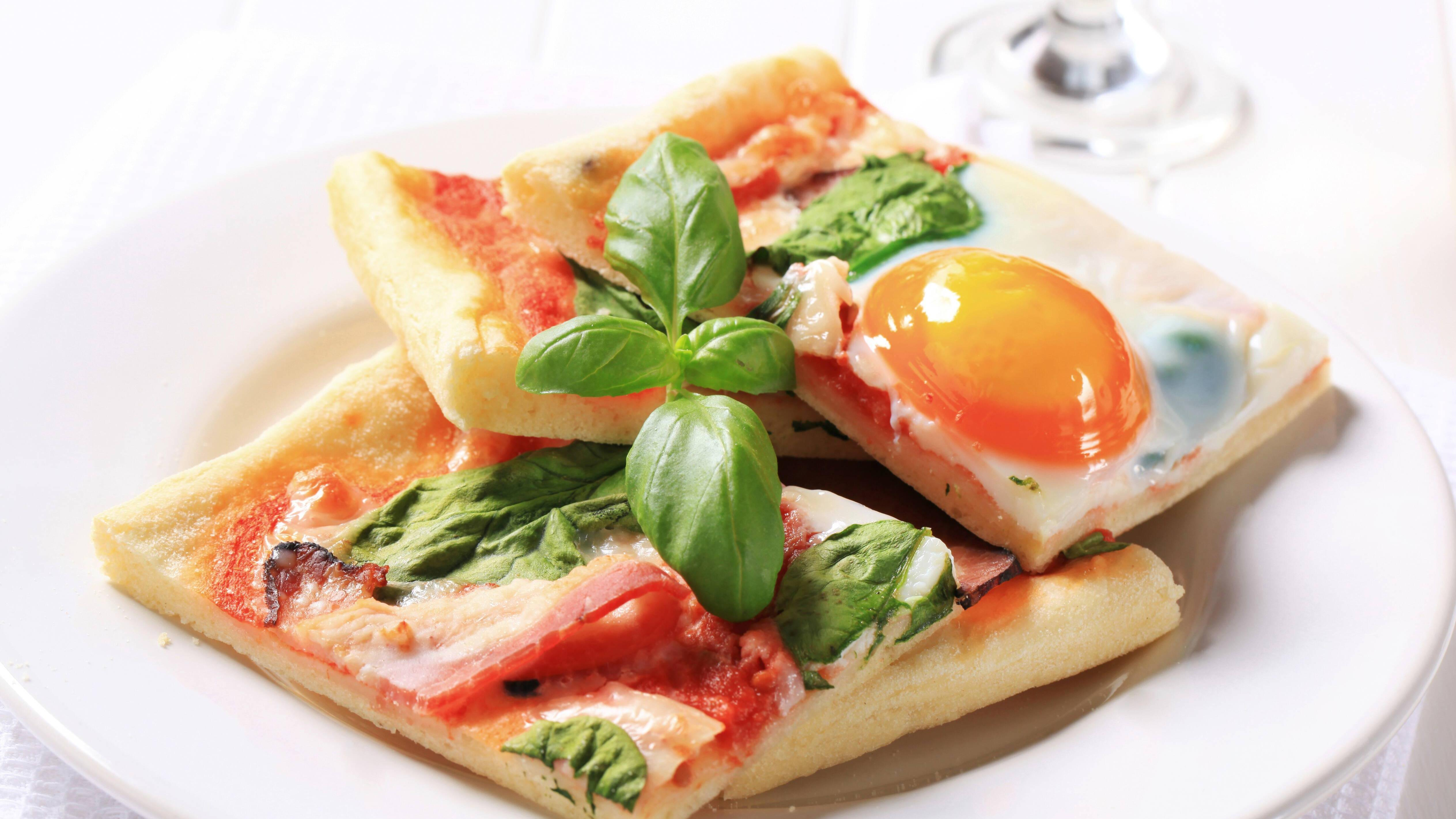 Pizzateig mit Trockenhefe - Rezept zum Selbermachen