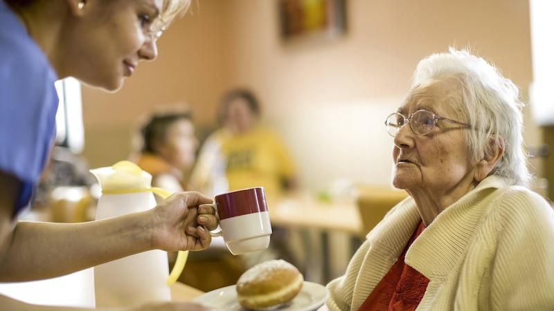 Appetitlosigkeit im Alter - Ursachen und was Sie dagegen tun können