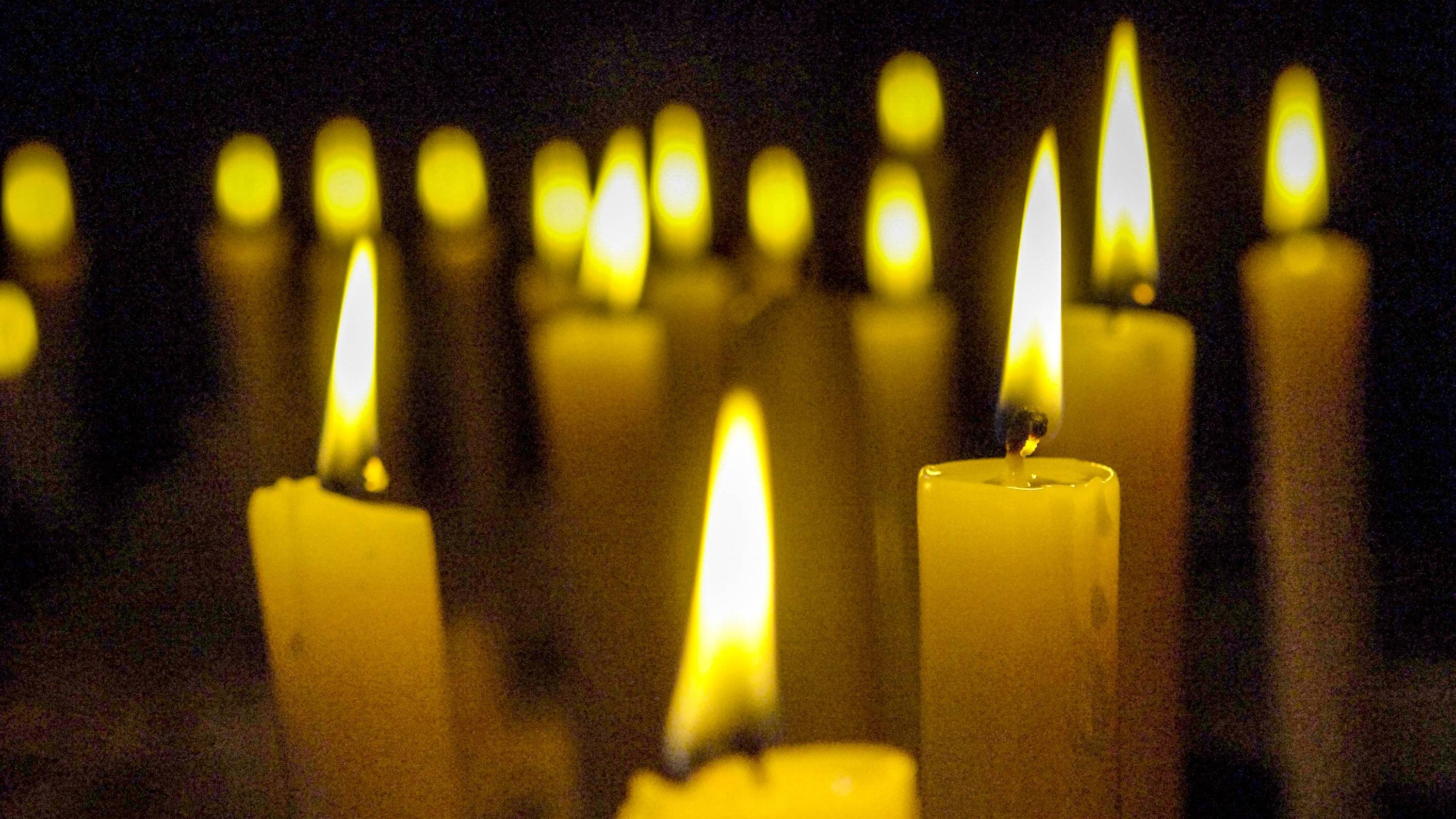 Kerzen-Ritual: Die besten Tipps für Kerzenmagie