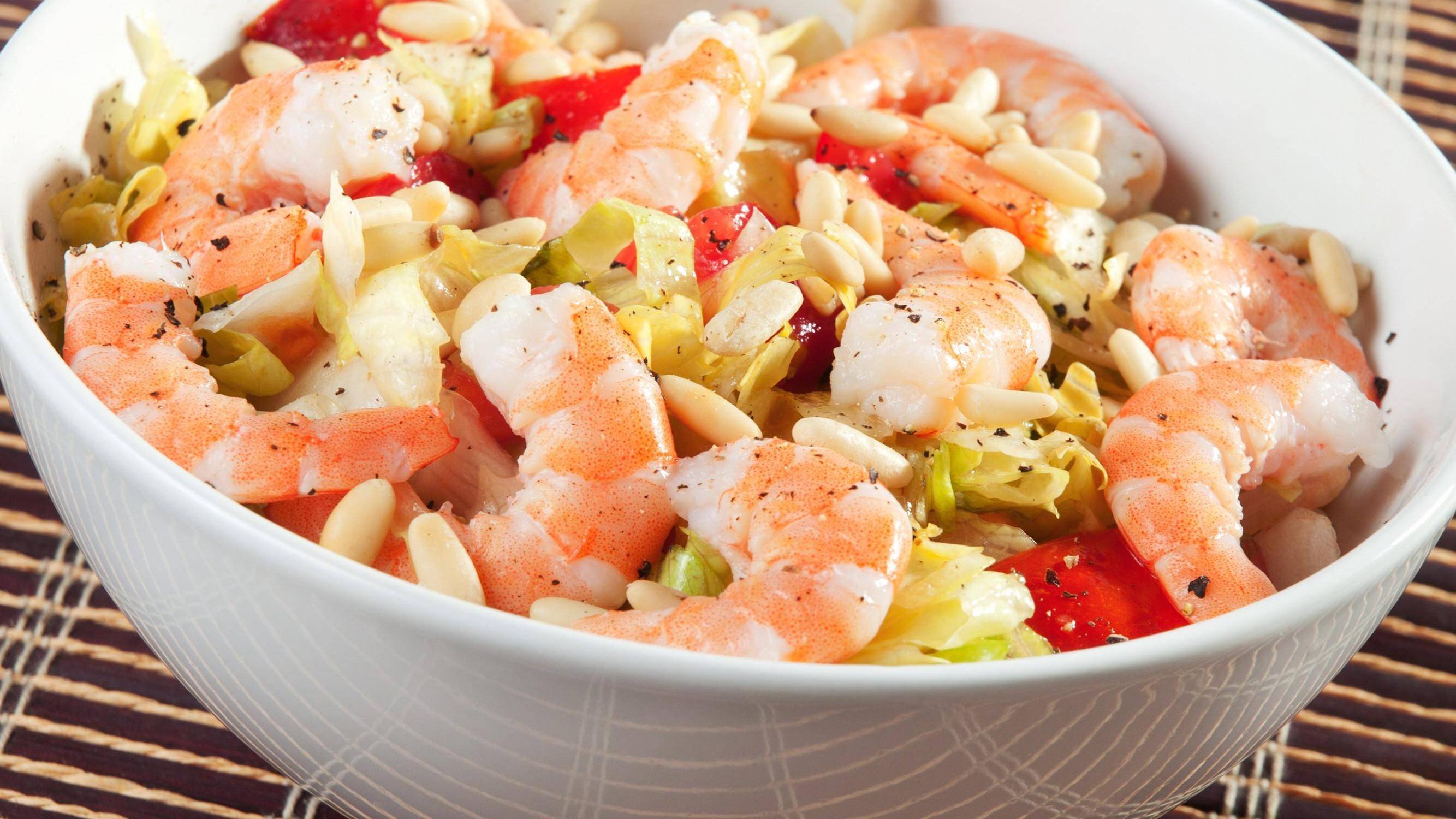 Um Shrimps richtig zuzubereiten, sollten Sie sie vorher erst auftauen lassen