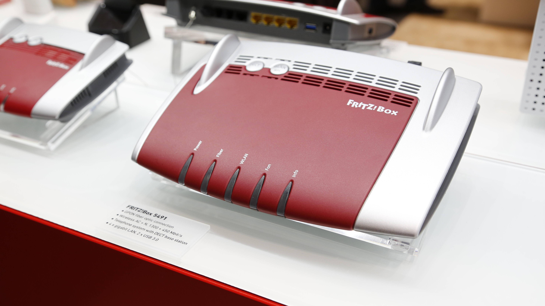 FritzBox Info-LED leuchtet rot: Ursachen und Lösungen