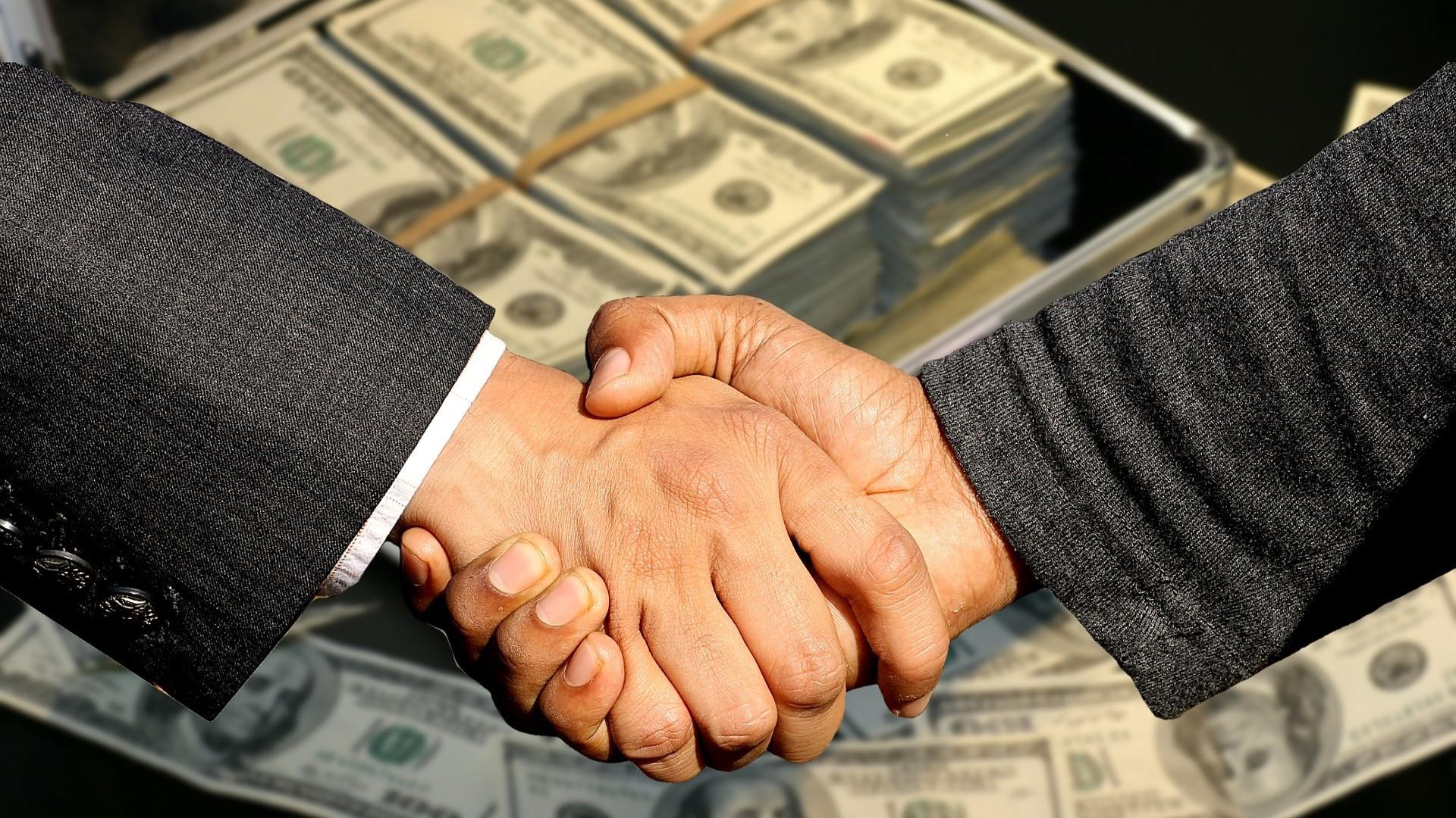 Bei einem Avalkredit übernimmt die Bank per Definition die Bürgschaft für einen Deal zwischen Geschäftspartnern