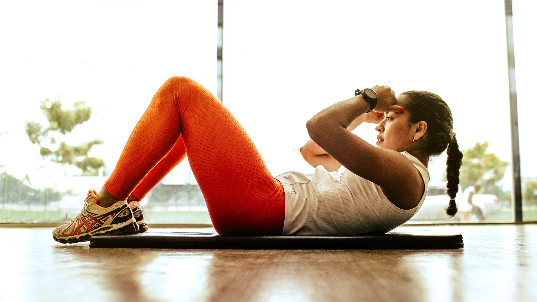 Taille trainieren: Die 5 effektivsten Übungen