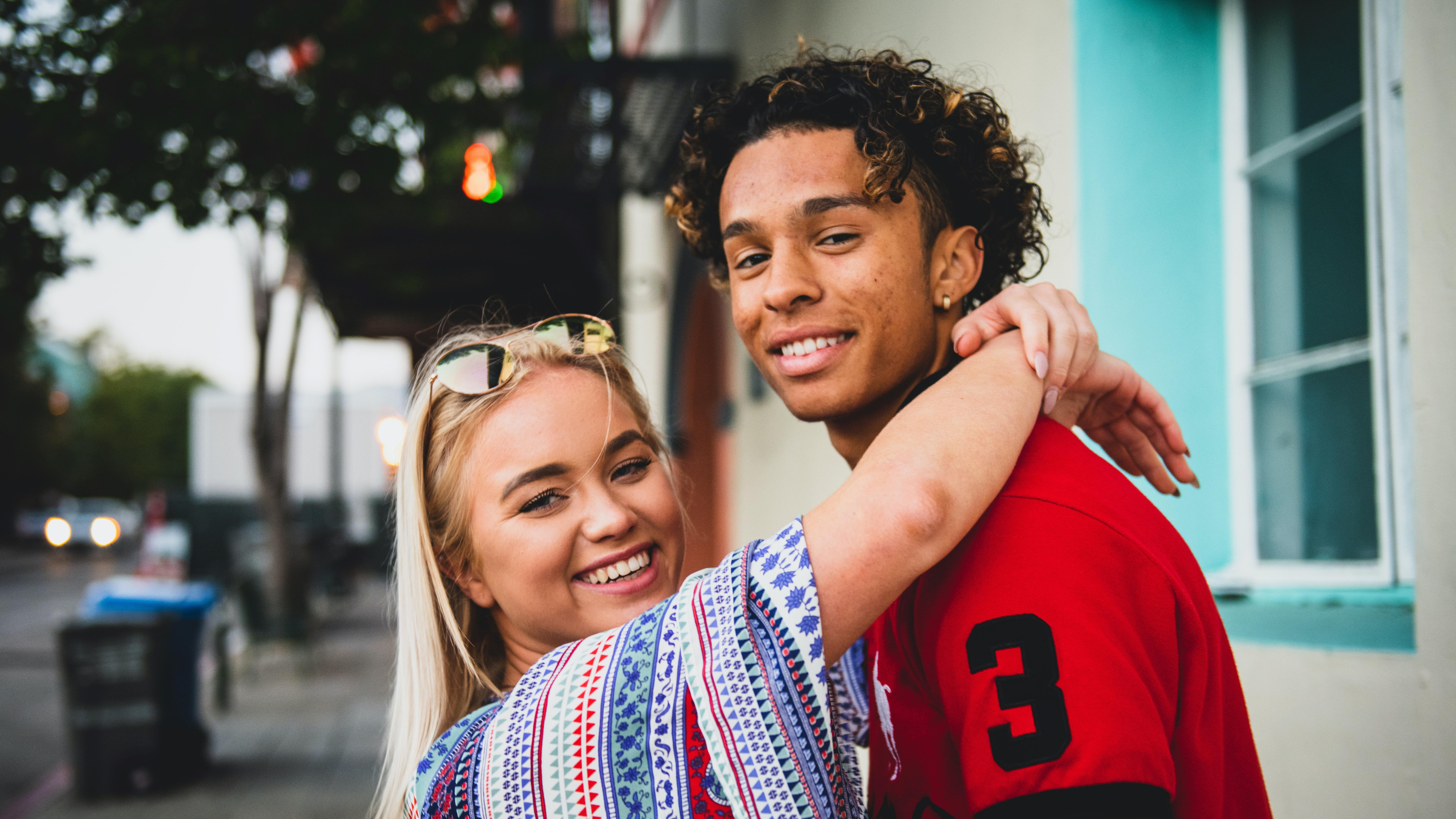 Interkulturelle Beziehungen: So gelingen Partnerschaften