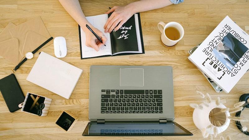 Wenn Sie im Beruf unglücklich sind, setzen Sie sich hin und planen Sie, was Sie in Ihrer Zukunft erreichen wollen.