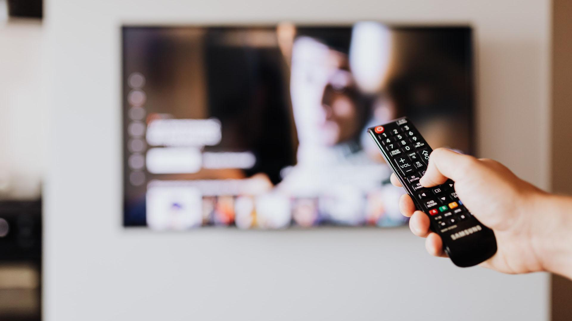 Auch Waipu oder Zattoo bieten einen kostenlosen TV-Streaming-Plan an, ebenso wie den ersten Monat kostenlos mit ihren bezahlten Paketen.