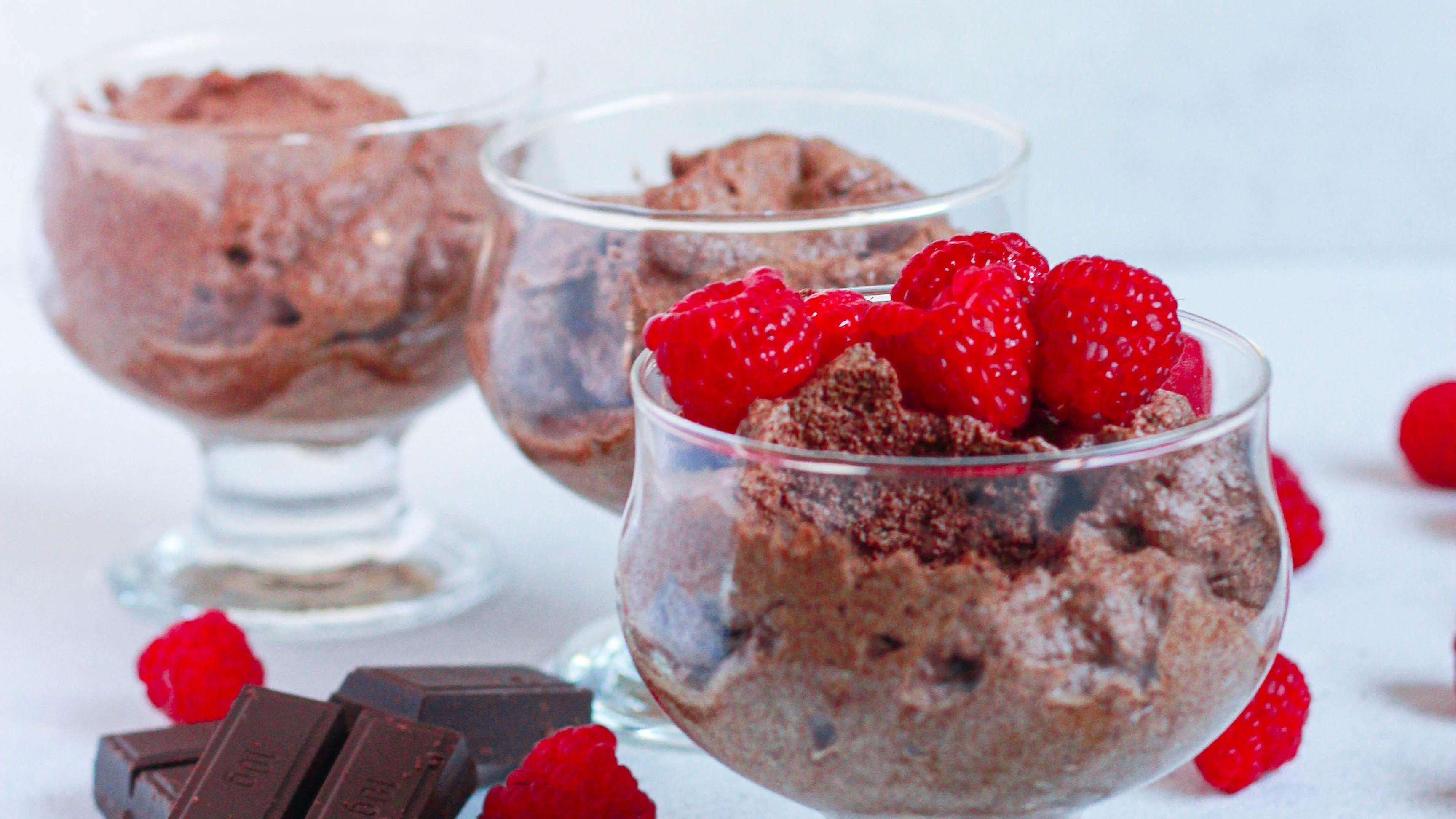 Veganes Mousse au Chocolat - Wir verraten Ihnen 2 leckere Rezepte