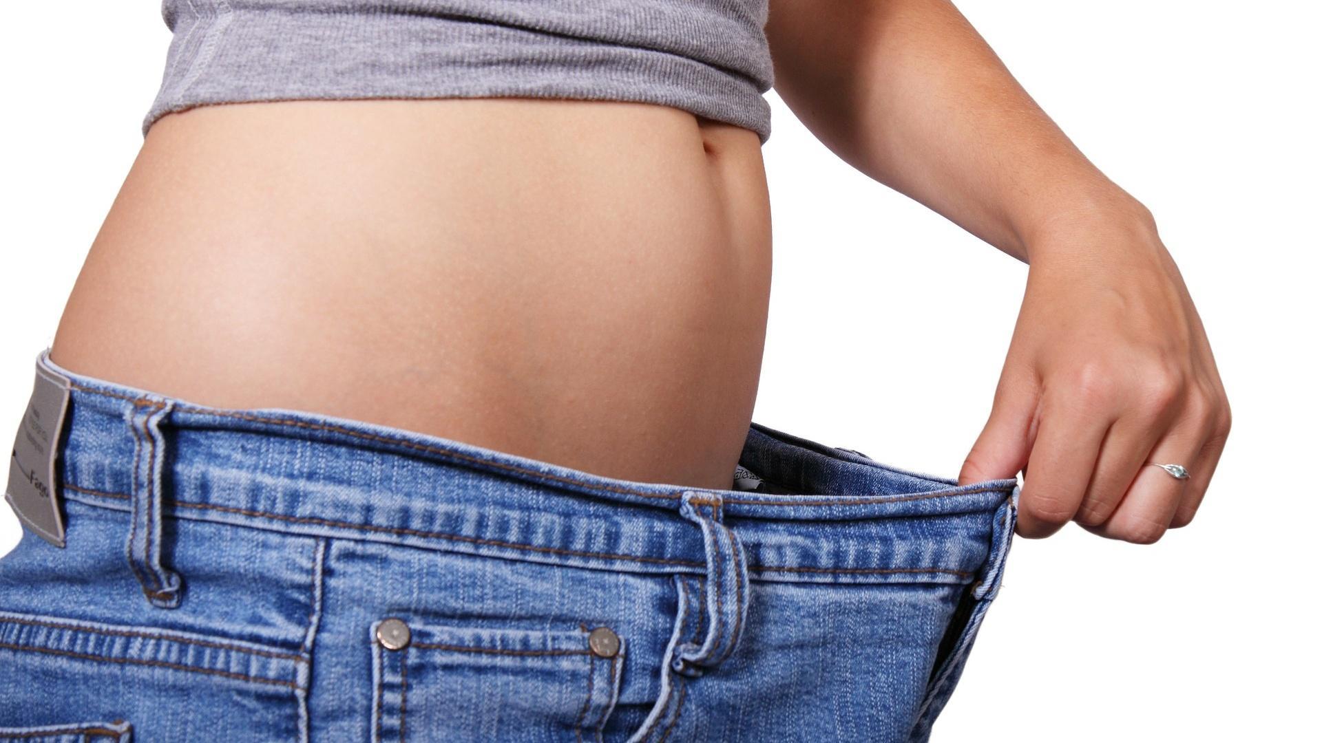 So können Sie durch Bauchmassagen abnehmen