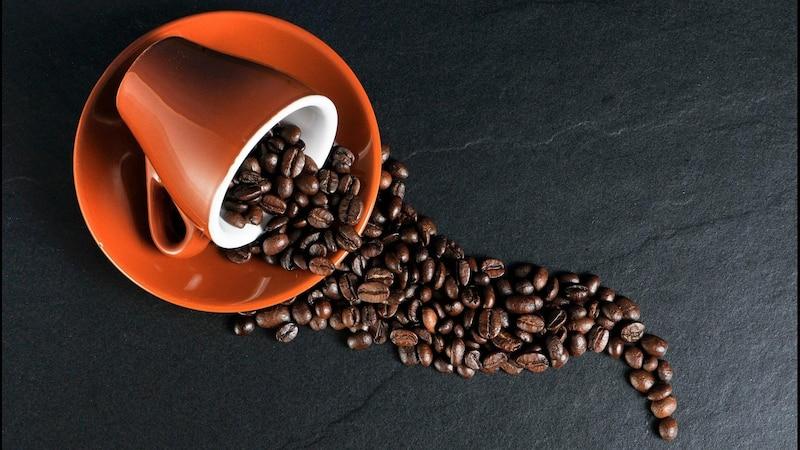 Koffeintabletten sind besser verträglich als Kaffee, da die schädliche Säure fehlt - können aber ebenso schädlich sein.