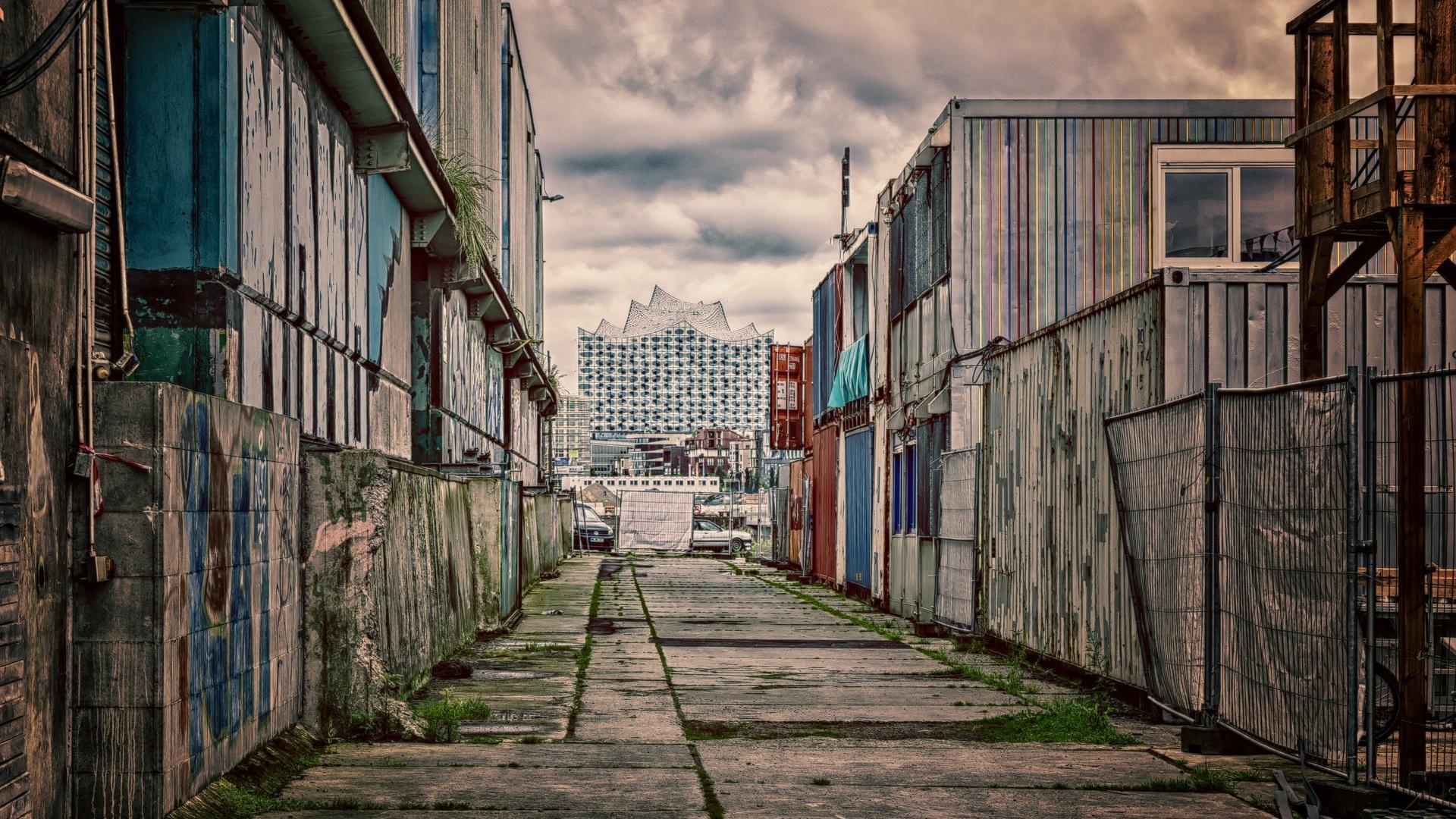 Zwischen Elbphilharmonie und Baufälligkeit
