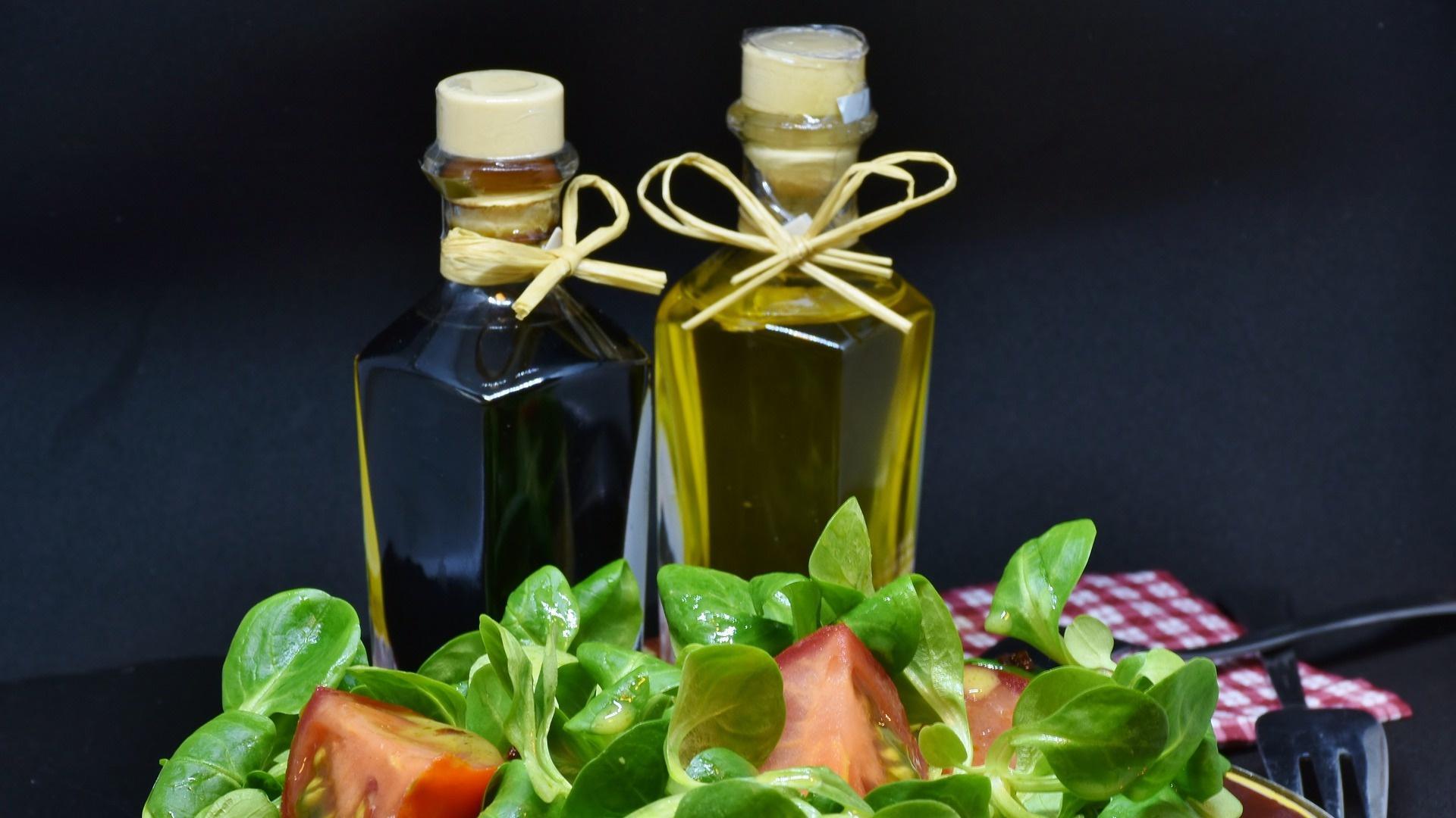 Dressing für Feldsalat: Diese 3 Rezepte passen am besten